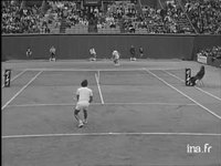 Tennis. Internationaux de France : finale simple messieurs Kodes-Nastase