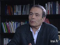 LAURE ADLER interroge PIERRE BOURDIEU sur la so...